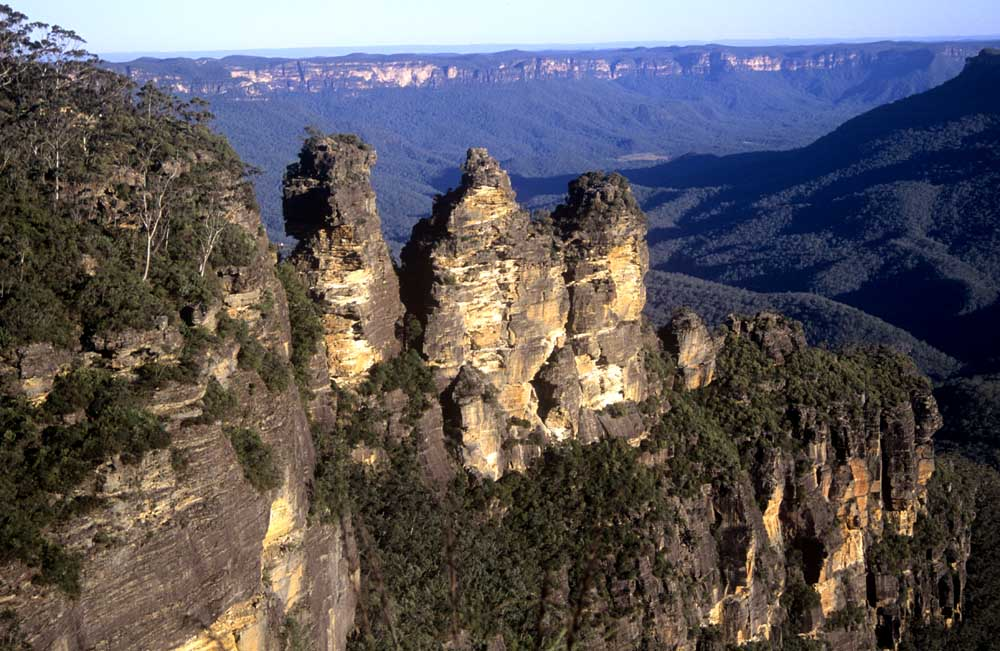 Thre Sisters rock formation at Echo Point in Katoomba BLue MOuntains of NSW, World Heritage Site, bush tourism mauve `great dividing range`